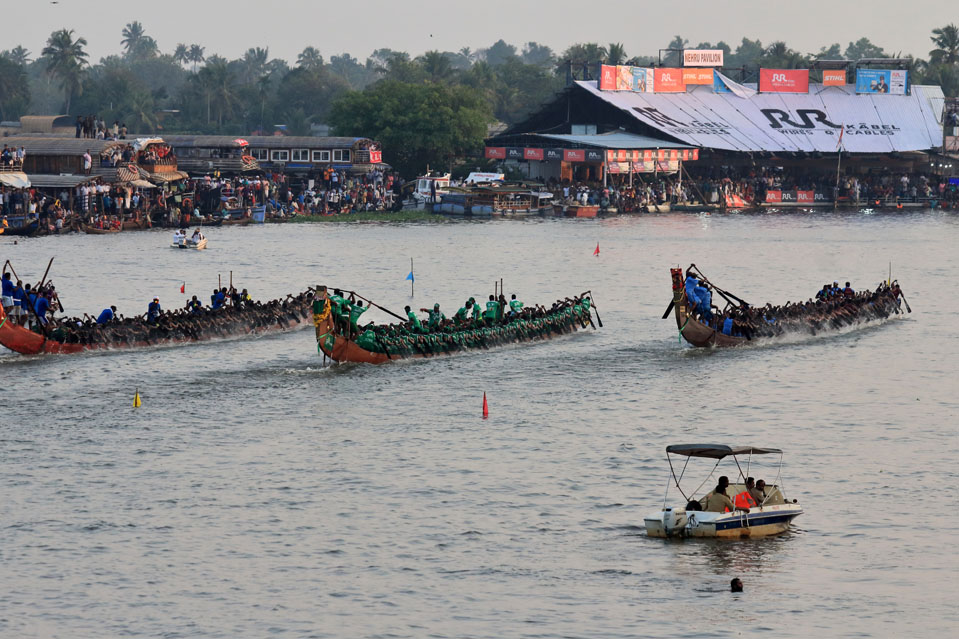 Snake boat teams compete in the Nehru Trophy Boat race