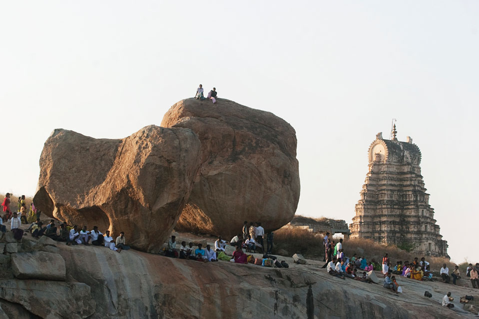 HAMPI FESTIVAL- One of the largest celebrations in the region, the Hampi festival offers a variety of adventure sports along with cultural events like puppet shows, pomp processions and vibrant displays of local traditions. There are special events that incorporate rural sports and indigenous crafts.
