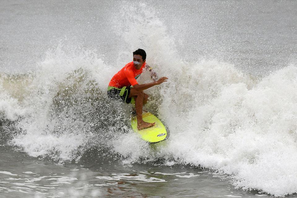 FESTIVAL DE SURF DE COVELONG POINT-Empezó a introducir el surf a la juventud india, el festival Cavelong point ha crecido hasta convertirse en uno de los mayores eventos para los entusiastas del surf y la playa en la India. A lo largo de los años, el festival ha absorbido algunos de los mejores eventos deportivos y culturales alternativos como el slacklining, el yoga y el paddle boarding.