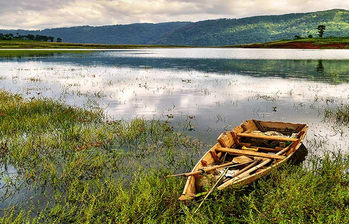 Umiam lake -This picturesque waterbody, locally known as Barapani, is the biggest artificial lake in the state. On the banks of the lake is the Umiam Water Sports Complex, where visitors can try their hands at adventure watersports.