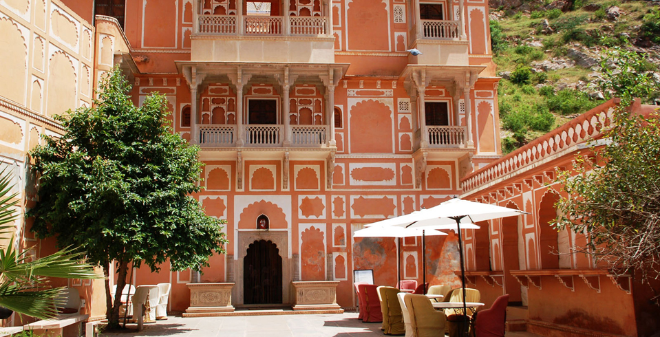 The Chanwar Palkiwon ki Haveli, which houses the Anokhi Museum of Hand Printing, has earned a UNESCO award for 'Cultural Heritage Conservation' in 2000